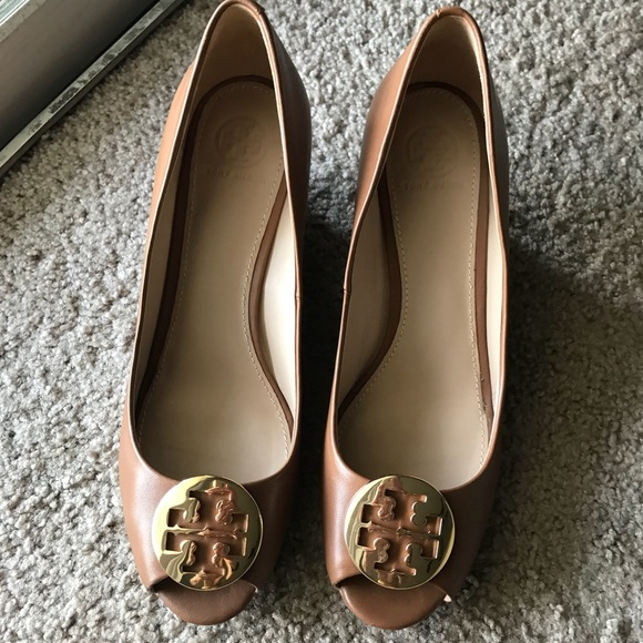 ed46baafe3b7 Tory Burch Shoes - Tory Burch Kara Wedge Pump